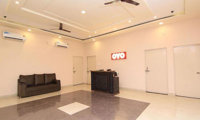 Oyo 15177 Hotel Hkj Sanskriti Varanasi - Room Rates from $18